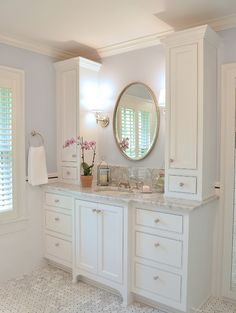Bright and elegant bathroom by @gdremodeling
