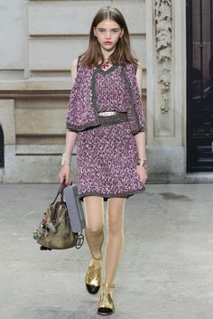 Chanel Spring 2015 Ready-to-Wear Collection Photos - Vogue