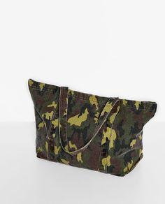 Imagen 1 de SHOPPING BAG CAMUFLAJE de Zara