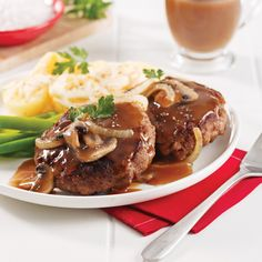 Hamburger steak aux oignons - 5 ingredients 15 minutes Hamburger Recipes Easy, Meat Recipes, Chop Suey, Tex Mex, Easy Meals, Favorite Recipes, Beef, Cooking, Food
