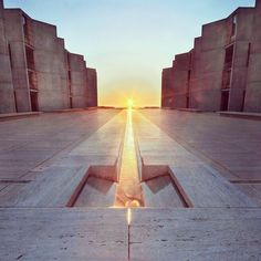 A Louis Kahn Masterpiece, the Salk Institute for Biological Studies, located in La Jolla.  So beautiful and pure!
