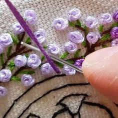 Hand Embroidery Patterns Flowers, Hand Embroidery Videos, Embroidery Stitches Tutorial, Embroidery Flowers Pattern, Hand Embroidery Designs, Embroidery Art, Flower Patterns, Embroidery Suits, French Knot Embroidery