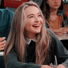 ❘ ❛icons (la mayoría con psd) de famosos para que uses en tu acc. ❘ ❛icons (la mayoría con psd) de famosos para que uses en tu acc. Sabrina Carpenter, Girl Meets World, Maya And Riley, Pretty People, Beautiful People, Famous Girls, Matching Icons, Aesthetic Girl, Girl Crushes