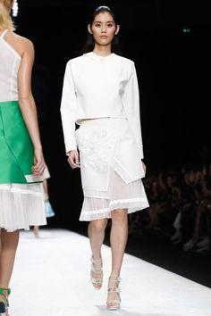 Shiatzy Chen Ready To Wear Spring Summer 2015 Paris - NOWFASHION