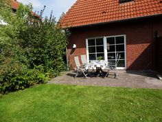 Ferienhaus WAT MOI in Norddeich/Norden: 3 Schlafzimmer, für bis zu 7 Personen, ab 595 € pro Woche. Doppelhaushälfte in exkl. Lage mit Garten, Kinderfreundliche Einrichtung, 95 qm | FeWo-direkt