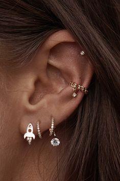 ear piercings four holes ~ four ear piercings . four ear piercings lobe . four ear piercings studs . four ear piercings simple . four ear piercings ideas . four ear lobe piercings studs . ear piercings four holes . multiple ear piercings four Ear Piercings Auricle, Piercing Face, Pretty Ear Piercings, Face Peircings, Conch Piercing Ring, Ear Piercing Names, Helix Piercing Jewelry, Mouth Piercings, Ear Piercings Chart