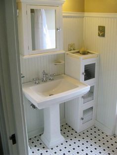 Bathroom in the Erehwon Bungalow: This reminds me a bit of my new bath, which…