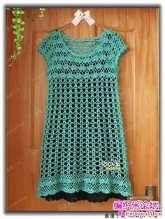 Очередной шедевр от китайской мастерицы. Нежное ажурное платье с завышенной талией и расклешенной юбкой. Узоры очень красивые! На лифе горизонтальный на подоле вертикальный. Crochet Shirt, Crochet Top, Turquoise Dress, Pretty Baby, Boho Outfits, Crochet Clothes, Dress Skirt, Dresses With Sleeves, Shirts