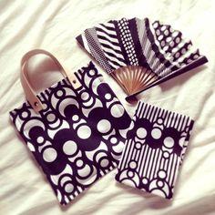 ミニバッグ、扇子、手ぬぐい。同じ色合いで揃えればまるでセットのような雰囲気!