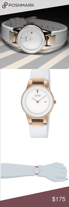 Citizen Eco Drive White Leather & Rose Gold Watch Look fine and fashionable from day to night with the Citizen Women's Eco-Drive Stainless Steel Leather Watch. Sleek and refined, this woman's watch features a white leather strap for seriously chic style. A round, white dial with edge-to-edge glass and rose goldtone accents completes the sophisticated look of this charming watch. You never need a battery with this watch! Bought with the best of intentions to wear, but never worn, only tried…