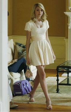 Picture: Taylor Momsen as Jenny Humphrey on The CW's 'Gossip Girl.' Pic is in a photo gallery for Taylor Momsen featuring 10 pictures. Gossip Girl Jenny, Gossip Girls, Mode Gossip Girl, Estilo Gossip Girl, Gossip Girl Seasons, Gossip Girl Outfits, Gossip Girl Fashion, Fashion Tv, Gossip Girl Clothes