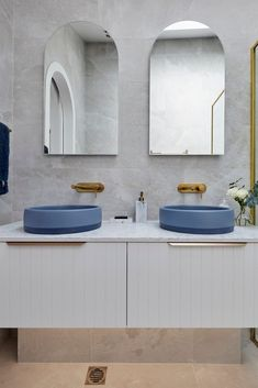 Kirsty and Jesse used beautiful two toned blue basins on their coastal style vanity unit on The Block 2021 Double Vanity, Ensuite Bathrooms, Basins, Week 5, Vanity Units, Coastal Style, The Unit, Make It Yourself, Blue