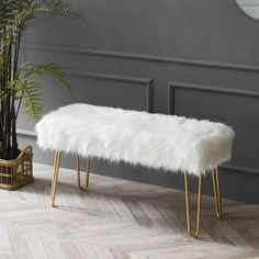 Upholstered Bench, Ottoman Bench, White Ottoman, Gold Bedroom, Bedroom Decor, Bedroom Apartment, Shabby Chic Material, Ottoman Design, My New Room