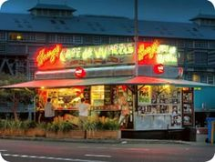 Harry's Cafe de Wheels...ummmm Meat Pies!