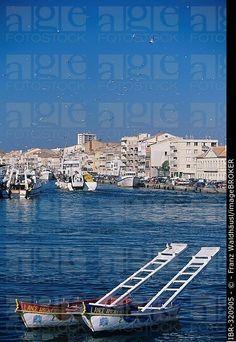 Barcos en el puerto de Sete, Francia, Languedoc-Rosellón