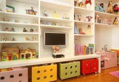 estante para brinquedoteca branca grande com gavetas coloridas 410x284