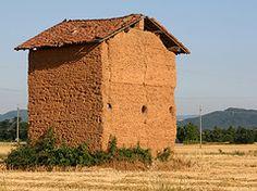 """Casa in """"terra cruda"""" -frazione Merella di Novi Ligure"""