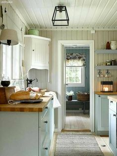 home_decor - A Scandinavian Cottage Makeover Swedish Cottage, Cottage Kitchens, House Styles, Chic Kitchen, House, Cottage Decor, Home Decor, Scandinavian Cottage, House Interior