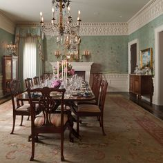 Admirable Traditional Dining Room Decor Ideas For Your Inspiration Dining Room Drapes, Dining Room Design, Dining Area, World Of Interiors, Plywood Furniture, Space Furniture, Modern Furniture, Furniture Design, Do It Yourself Decoration