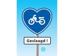 Geslaagd voor het brommer-rijbewijs? Dan feliciteer je natuurlijk met een leuke kaart! Vandaag online besteld, morgen door PostNL thuisbezorgd. http://www.kaartjeposten.nl/kaarten/rijbewijs/