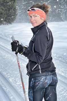 Skiing, Naked, Winter Jackets, Sunglasses, How To Wear, Fashion, Ski, Winter Coats, Moda
