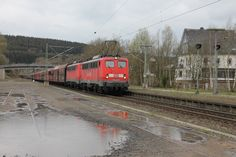 2012.04.25. 140-801-815 In Welschen-Ennest mit leerem Kohlezug
