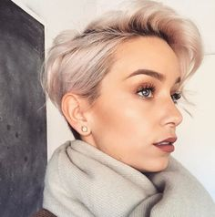 Dit is toch wel de meest romantische look van 2017! Bekijk hier 10 korte kapsels in Rosé-Gold kleurtjes die echt het proberen waard zijn! - Kapsels voor haar