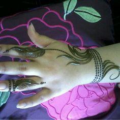 Modern arabic henna