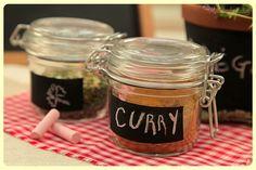 Dale a tu cocina un toque diferente con estos 8 #adornos divertidos para tu cocina.