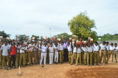 An exciting bunch of Students and Teachers from Sri KK Naidu Higher Secondary School, Coimbatore resonated with our thoughts on the importance of Farmers and their role in feeding our Nation. They have pledged their support to the Be a #FarmDost initiative. We thank them for joining us in Cultivating the World and welcome them on board. Be a #FarmDost. Take pride in farming. www.FarmDost.com | www.facebook.com/FarmDost