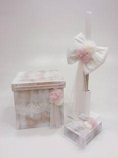 βαπτιστικό κουτί με λουλούδια και πον πον
