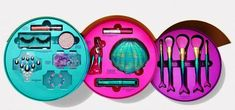 Tarte Mer-Makeup Vault Includes All The Mermaid Things - new_make_up_pintennium How To Wash Makeup Brushes, Eye Brushes, Tarte Cosmetics, Makeup Cosmetics, Makeup Guide, Makeup Tools, Makeup Geek, Prom Makeup, Cute Makeup