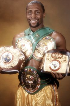 """On this date September 15 in 1987 boxer Thomas """"Hit Man"""" Hearns becomes the first Black man to win boxing titles in five different weight classes. Professional Boxing, Boxing History, Boxing Champions, Sport Icon, American Sports, Sports Figures, Sports Stars, World Of Sports, African American History"""