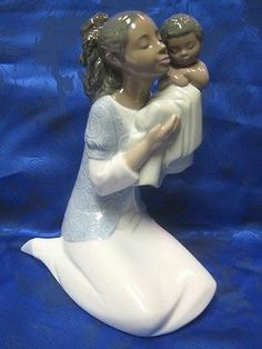IN LOVING ARMS MOTHER CHILD AFRICAN AMERICAN NAO LLADRO #1659