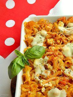 Apetyt i Smak: Zapiekanka pomidorowa z kurczakiem i fetą Feta, Cauliflower, Shrimp, Pizza, Chicken, Vegetables, Cauliflowers, Vegetable Recipes, Cucumber