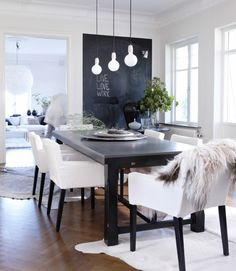 Eine Tafel Im Wohnzimmer Bildet Einen Einzigartigen Hingucker Und Gleichzeitig Platz Fr Ungezhmte Kreativitt
