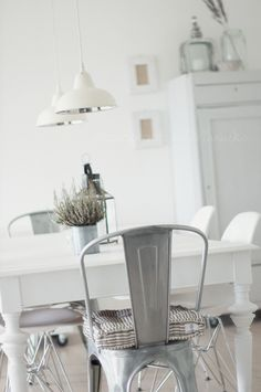 soft industrial vibe..dining in grey and white