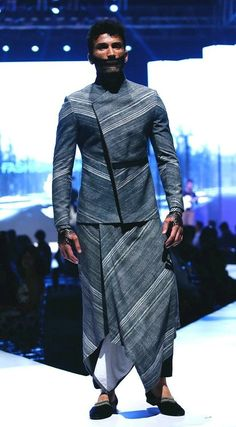 Trendy jacket Indian Men Fashion, Mens Fashion, Fashion Trends, Kurta Men, Indian Groom Wear, Achkan, Mens Kurta Designs, Indian Man, Men's Wardrobe