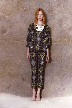 Honor | Resort 2015 | 20 Black/white/green patterned 3/4 sleeve top and cropped trousers