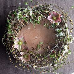 Le plus récent Instantanés couronne Fleurs diy Réflexions Wreaths And Garlands, Flower Garlands, Fall Wreaths, Door Wreaths, Christmas Wreaths, Christmas Decorations, Easter Wreaths, Grapevine Wreath, Deco Floral