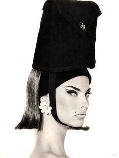 cc1dea5ae24 Linda Evangelista by Steven Meisel for Vogue Italia Fashion Stylist