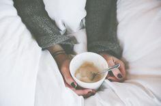 Black nail polish-lattes