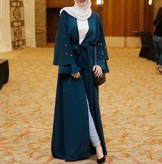 Pinterest @adarkurdish  hijab style Hijab Outfit, Hijab Dress, Abaya Designs, Abaya Mode, Mode Hijab, Abaya Style, Hijab Stile, Abaya Fashion, Kebaya