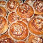 Zweedse kaneelbroodjes http://www.fromswedenwithlove.nl/zweedse-kaneelbroodjes/#