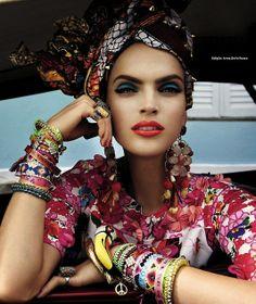 Vogue_Brasil_Carmen_Miranda_Reloaded_February_2013.jpg 533×633 pixels