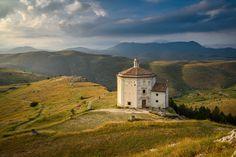 Rocca Calascio (AQ) - Santa Maria della Pietà   da bautisterias