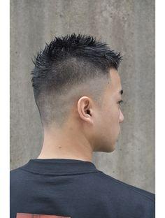 フェードスタイル:L027548785|トレイス バイ バロレ(trace by Valore)のヘアカタログ|ホットペッパービューティー Super Short Hair, Short Hair Cuts, Short Hair Styles, Cool Boys Haircuts, Haircuts For Men, Mohawk Hairstyles Men, Crew Cuts, Hairline, Hair Beauty