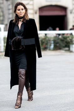 Pin for Later: The Best Street Style Snaps From Paris Fashion Week PFW Day Seven Christine Centenera Fashion Week Paris, Fashion Week 2015, Cool Street Fashion, Street Chic, Christine Centenera, Star Wars, Model Look, Style Snaps, Silhouette