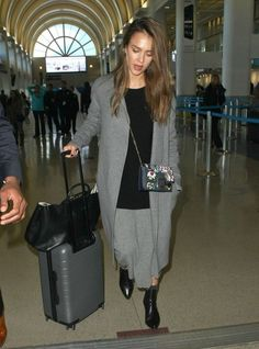 Jessica Alba Photos Photos - Actress Jessica Alba is seen arriving on a flight at LAX airport in Los Angeles, California on January 25, 2017. - Jessica Alba Arrives on a Flight at LAX