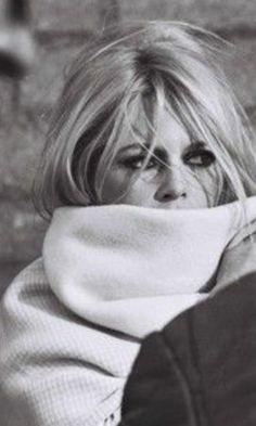 How to Make A Hanging Makeup Organizer? Brigitte Bardot, Bridget Bardot, Classic Hollywood, Old Hollywood, Most Beautiful Faces, Beautiful People, Bardot Hair, Look 2018, Dreamy Photography